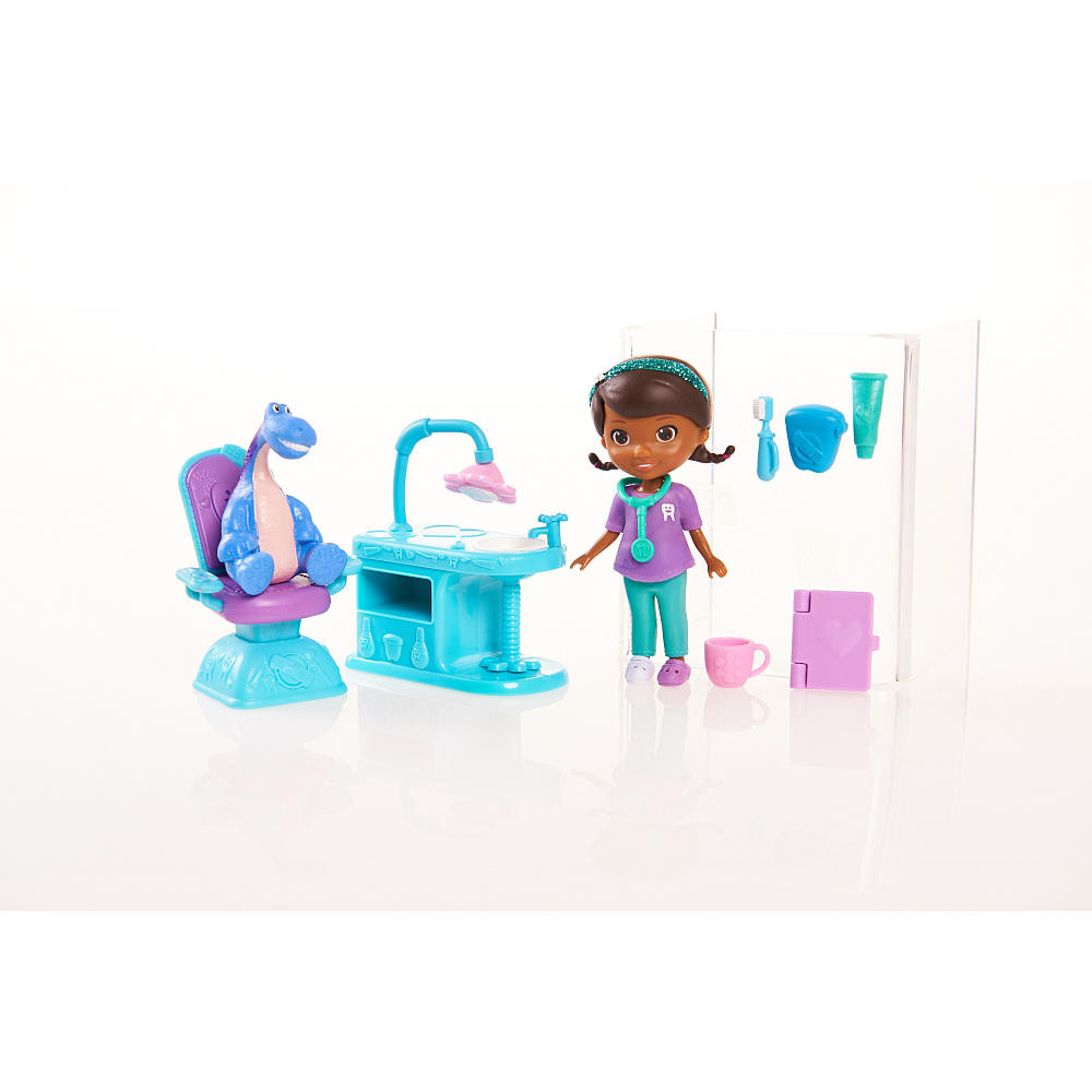 Doc-McStuffins-Doc-Specialty-Doctor-Playset