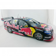 Classic Carlectables 1:18 T8 Jamie Whincup 2015 Championship Car