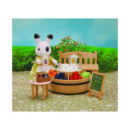 Sylvanian Families Juice Bar and Figure Set